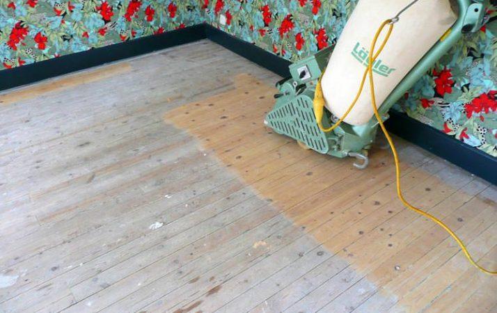 renovation parquet ancien très abimé : poncer dans le sens contraire des lames